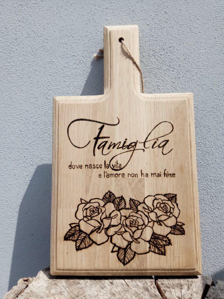 """Tagliere """"Famiglia, dove nasce la Vita e l'Amore non ha mai fine"""""""