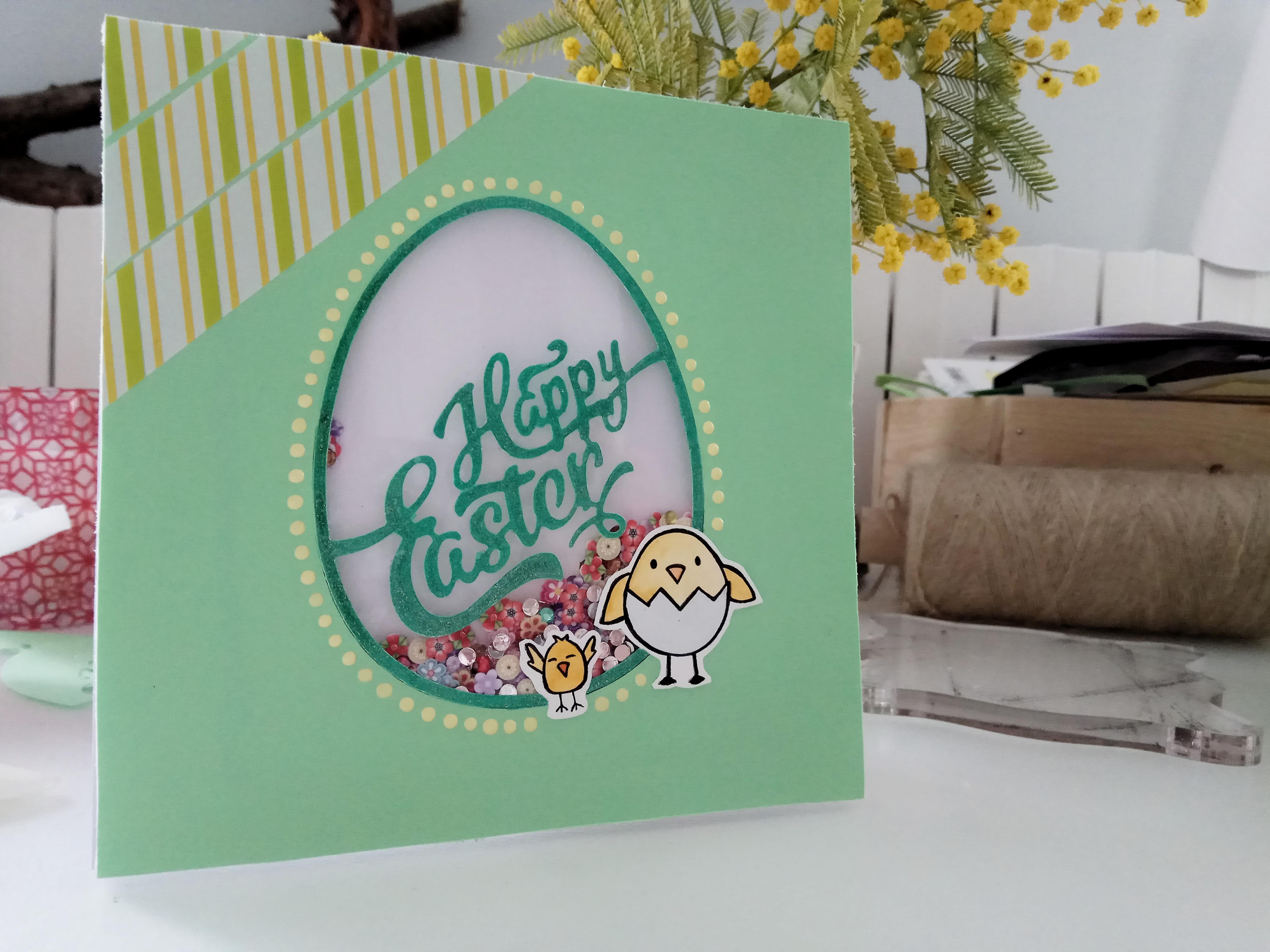 Shaker Card di Pasqua verde con sagoma a forma di uovo