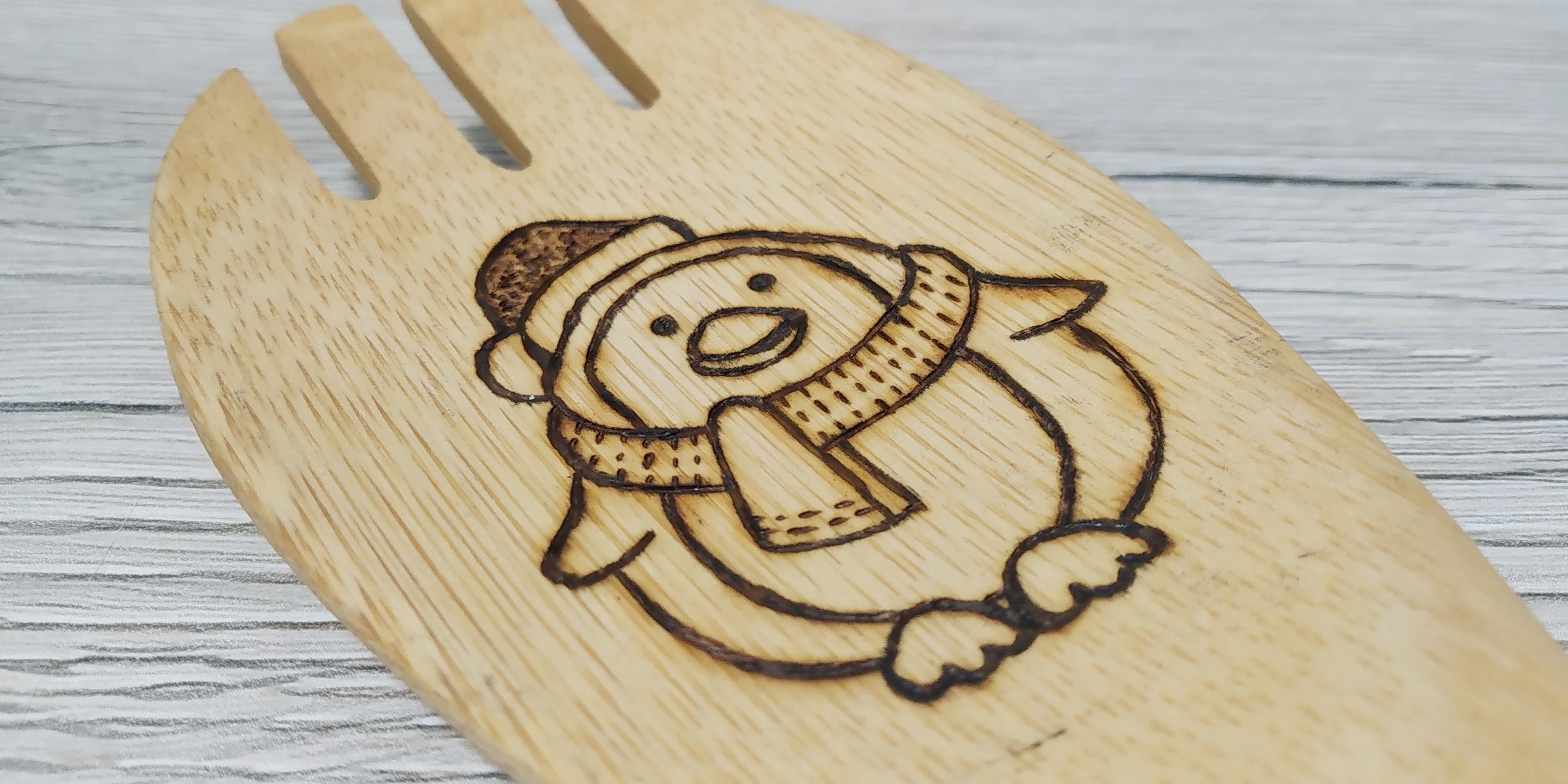 """Mestolo in bambù """"Pinguino con cappellino Babbo Natale"""""""