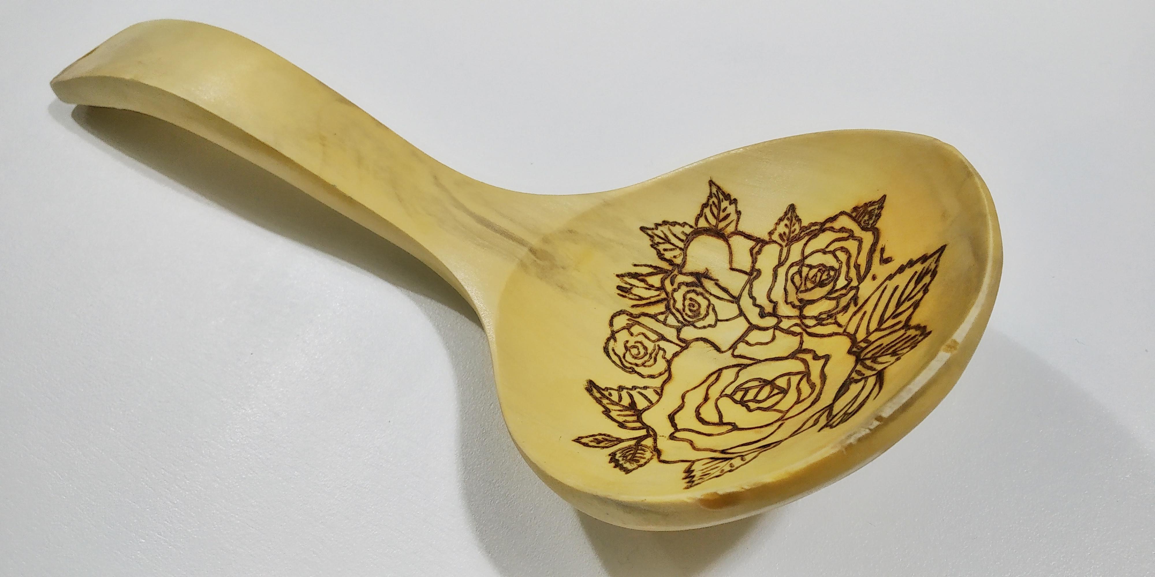 """Mestolo in bambù """"Composizione di rose"""""""