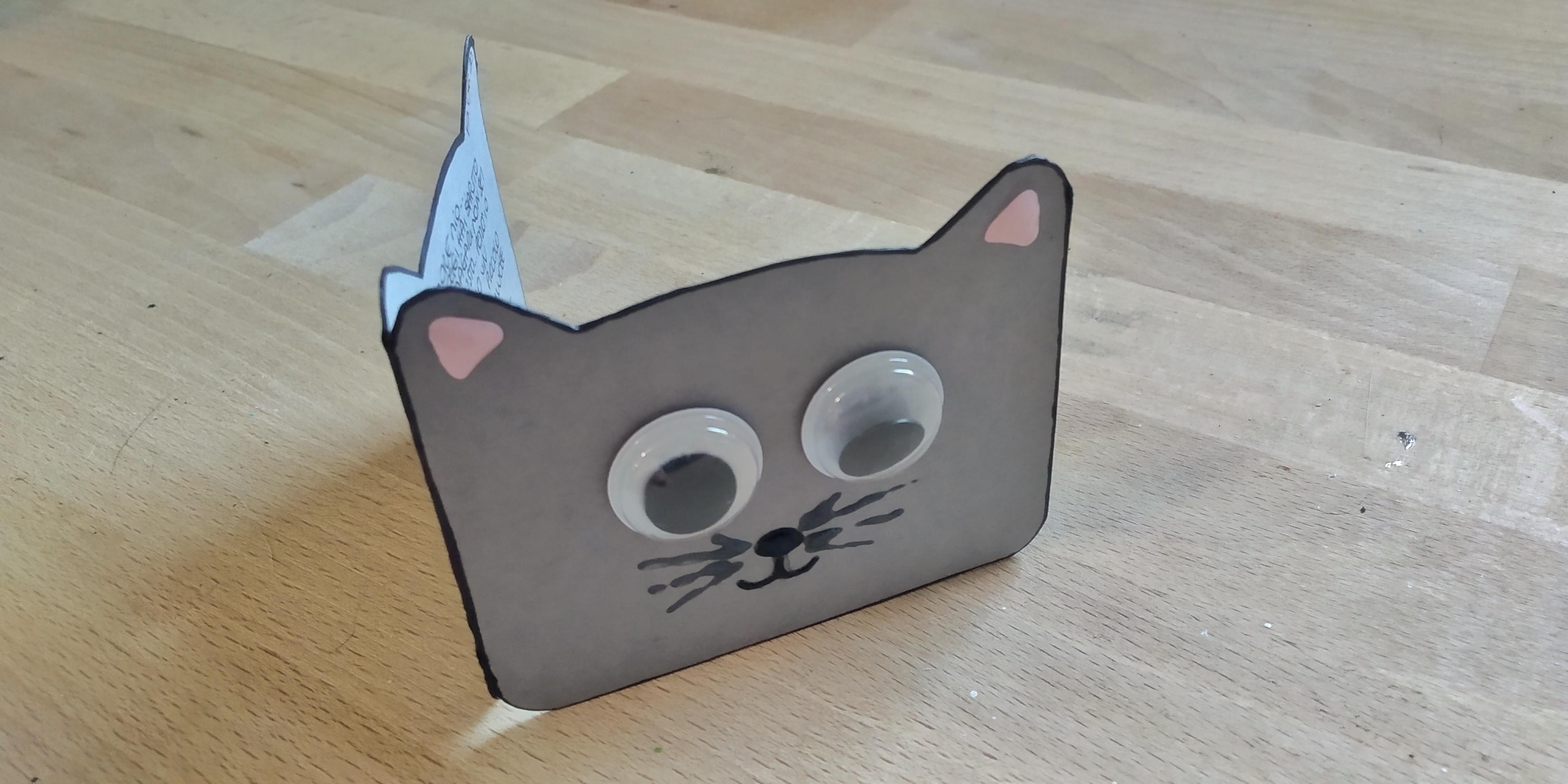 Shaped card gattino